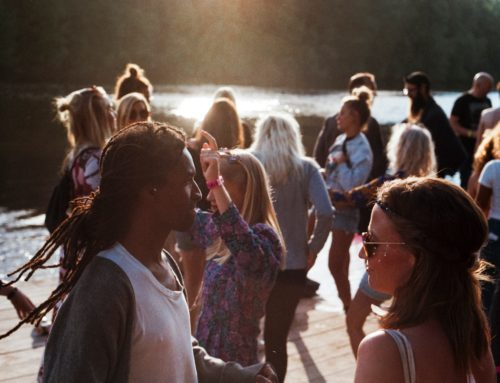 Five Ways College Students Can Network Like the Pros